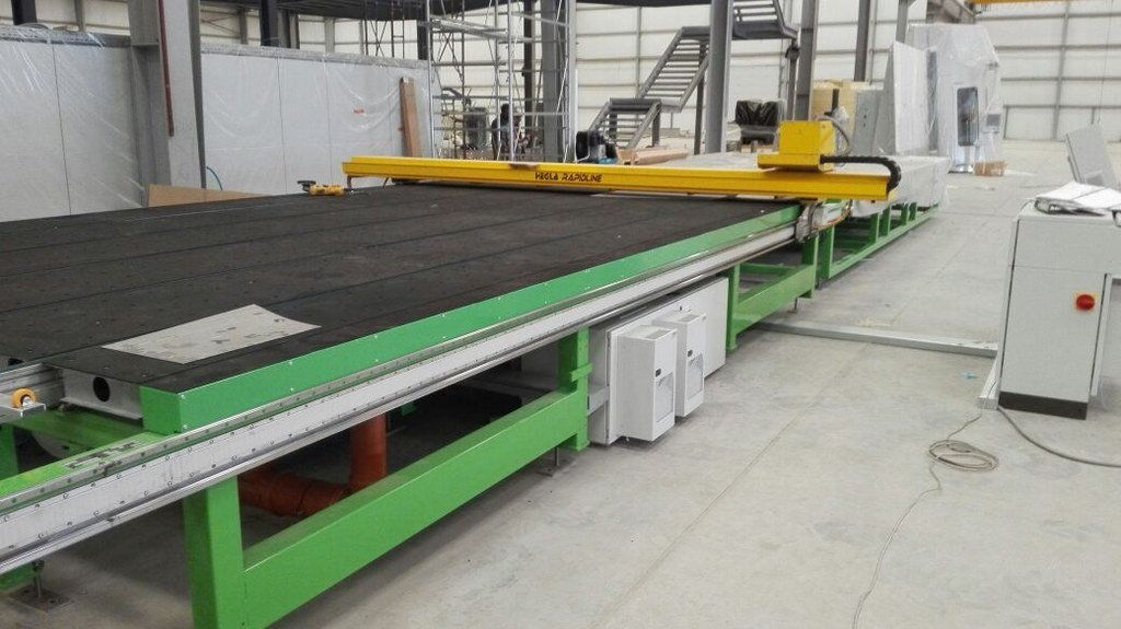 Installation of High-End Bystronic Glass and Hegla Cutting Line in Kuwait